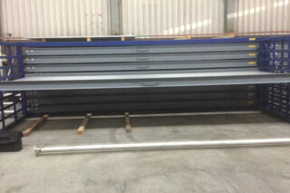 stockage metalen platen