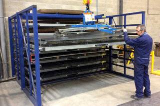 Horizontal steel plate rack