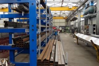 Roll out cantilever rack profiles tubes