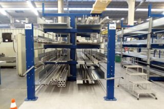 Manual lever roll out cantilever rack