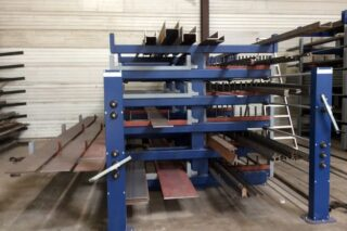 Roll out cantilever rack storage of iron steel aluminum bars