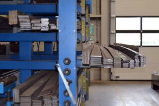 manual winch cantilever rack