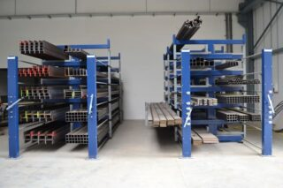 eurostorage cantilever rack extendable drawers